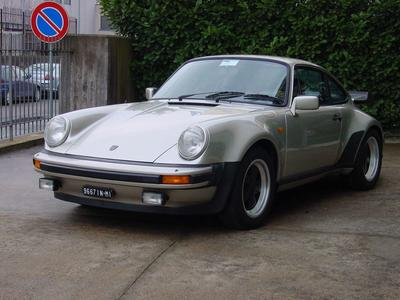 www.BRESCIACAR.it -PORSCHE TURNO 3.3 4M. anno 1982